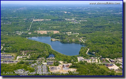 Aerial photo of Lake Medina in the city of Medina, Ohio