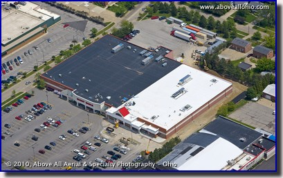 Aerial photo of a Giant Eagle supermarket remodel project