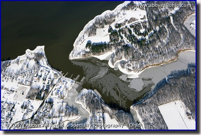 Aerial photograph of a wintry lake and marina